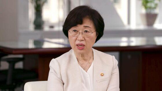 Women in Military Becomes Gender Battleground in South Korea
