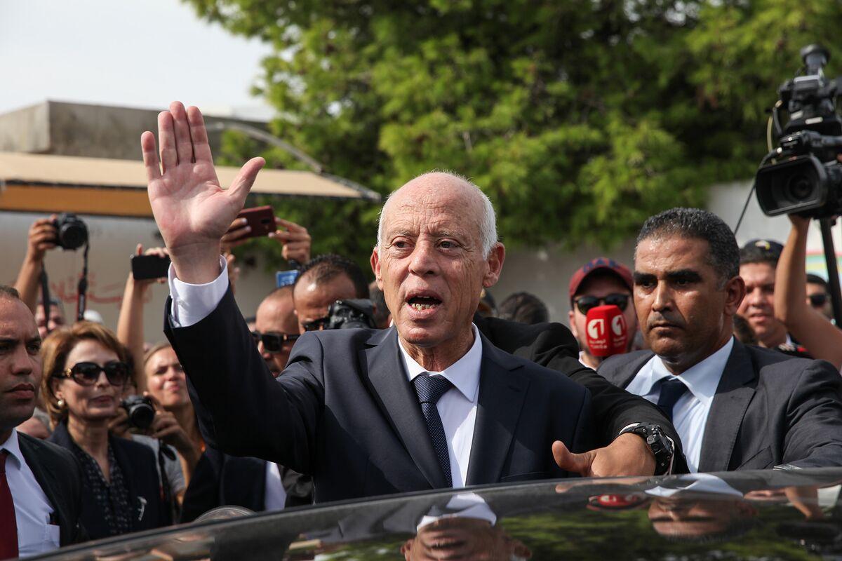 Tunisian Law Professor to Win Presidential Vote, Exit Poll Shows