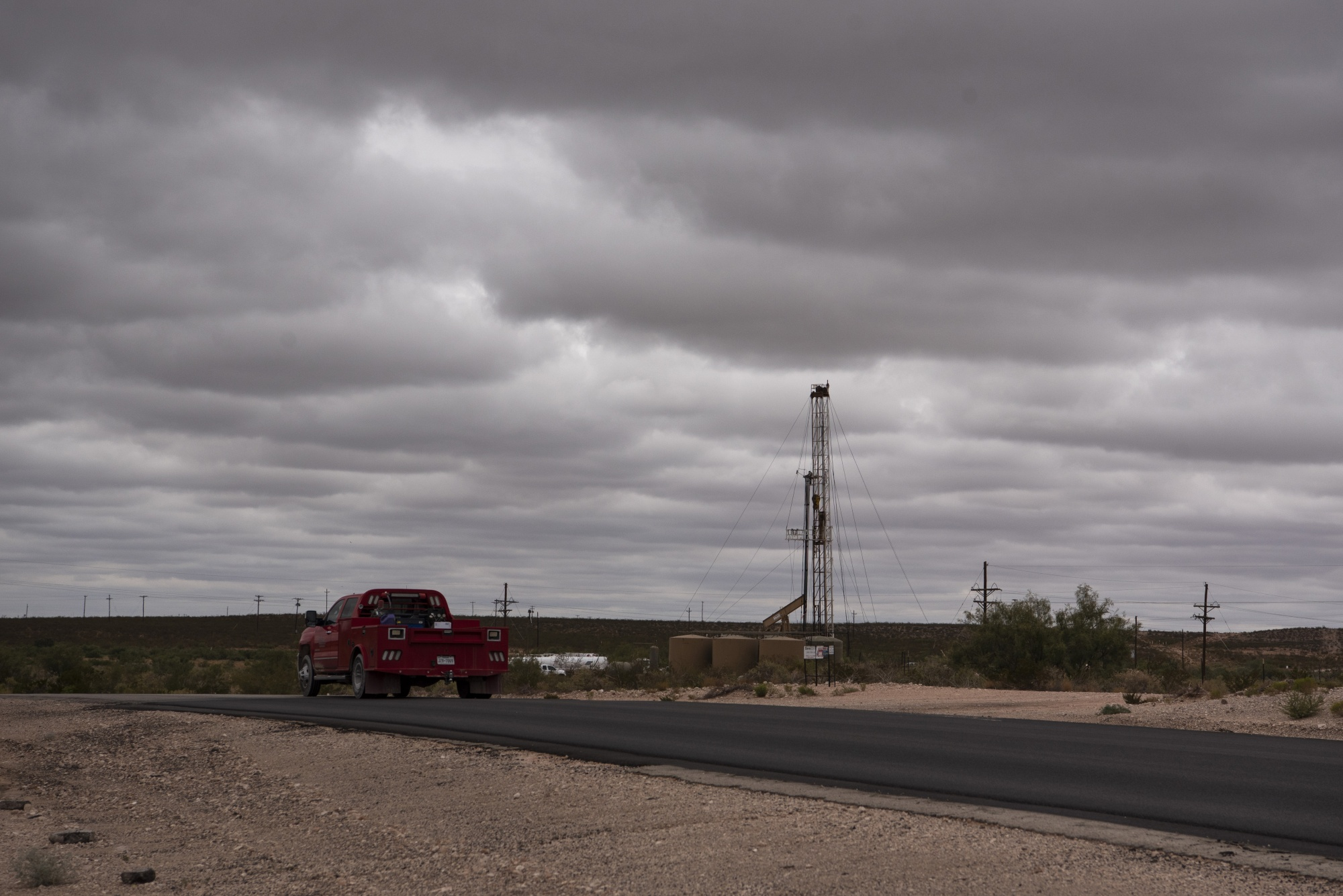 A horizontal drilling rig sits on federal land in Lea County.