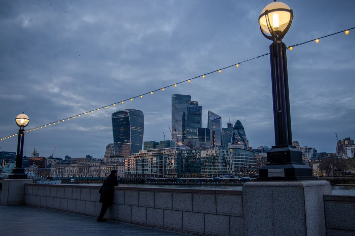 bloomberg.com - Eamon Akil Farhat - London Becomes Jobs Hot Spot as Finance and Consulting Hire