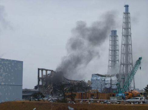 Tepco's Damaged Reactors Take 30 Years, $12 Billion Scrap