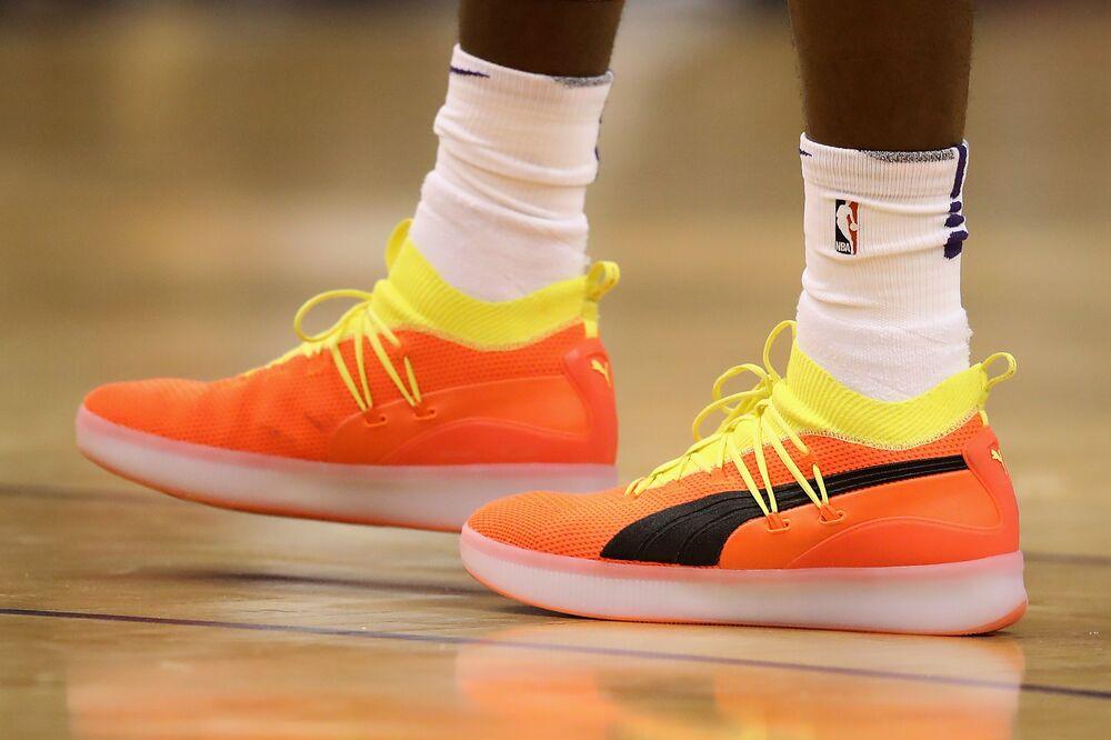 Nike (NKE) Stock Drops After Duke Basketball Star s Shoe Splits ... f5ed03631