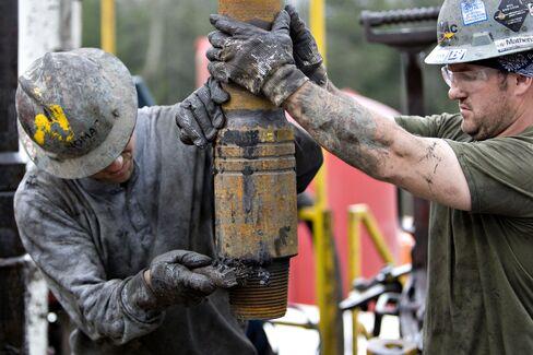 Chesapeake Cuts Natural-Gas Output