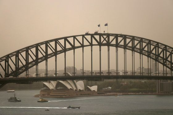 Outback Dust Storm Passes Through Sydney Sparking Health Warning