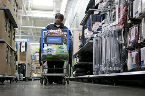 Wal-Mart Customers Complain Bare Shelves Are Widespread