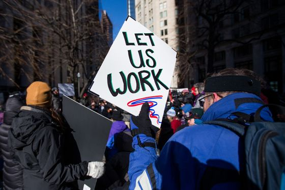 Government Contractors to Lose Out on Shutdown Pay, Dragging Down Economy