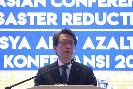 Japan's Government 10 Years Behind on Tech, Minister Says