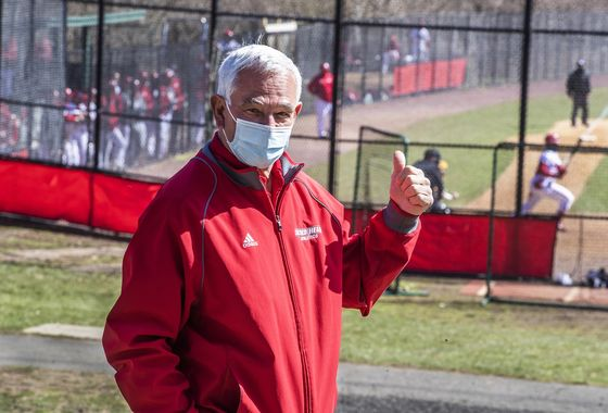 MLB's Bobby Valentine Runs for Mayor of Connecticut Hometown