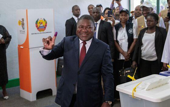Mozambique's Nyusi Starts Anew as Terror Threatens LNG Boom