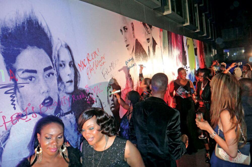 With M A C , Estée Lauder Enters Emerging Markets - Bloomberg