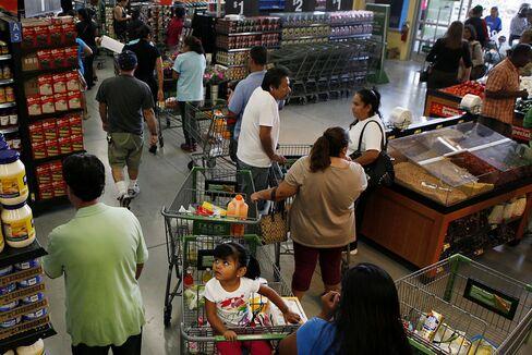 Upbeat Consumers to Sustain U.S. as Companies Hesitate: Economy