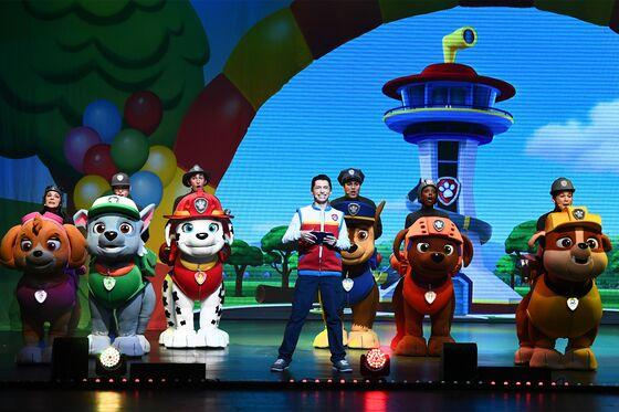 Facing Sluggish TV Ratings, Nickelodeon Looks to Shine on Stage