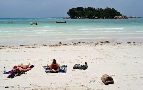 Tourism Spurs Economic Growth