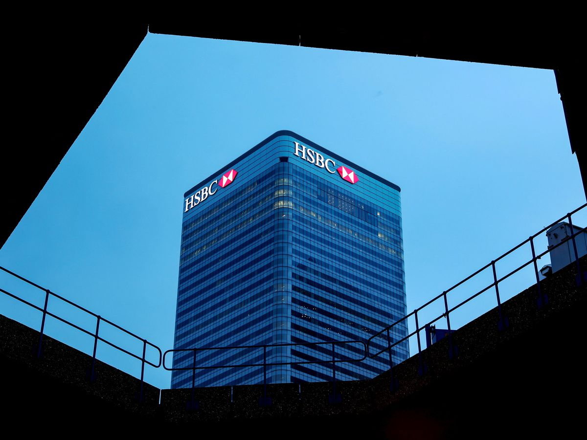 HSBC to Cut Thousands of Jobs to Control Costs After Flint