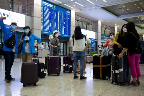 Chinese tourists cutting trips short