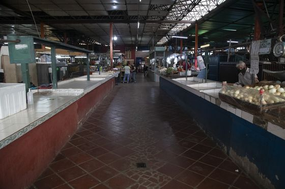 Food Markets in Caracas Empty Out as Inflation Hits the Poorest