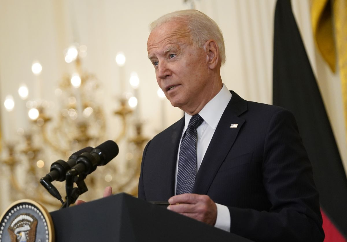 Biden Hints at Lifting Europe Travel Ban, Boosting Airlines