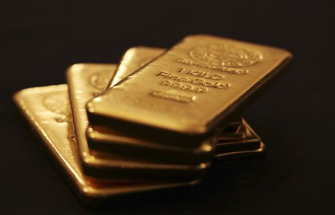 Gold Poised for Weekly Loss on Concern 12-Year Bull Run Ending