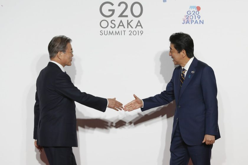 relates to 韓国がGSOMIA終了を停止、輸出管理で日本と協議へ