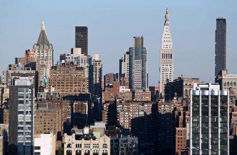 Manhattan Apartment Prices Decline 9.9%