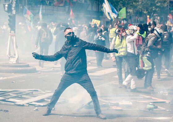 Violence Mars Start ofMay Day Demonstrationin Paris