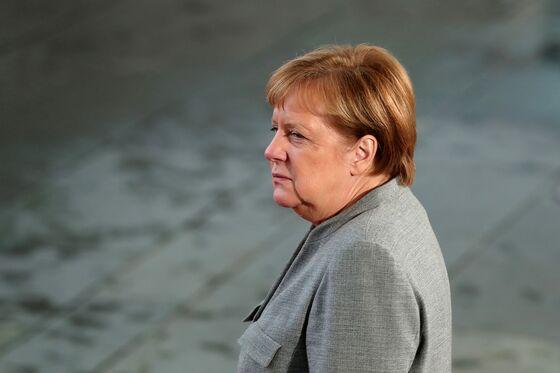 Merkel Warns EU Compromise Is Needed to Avert Harmful Brexit