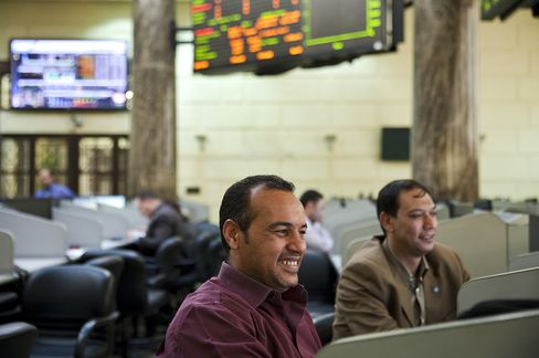 Egypt Stock Euphoria Has Foreigners Selling as Recovery Delayed