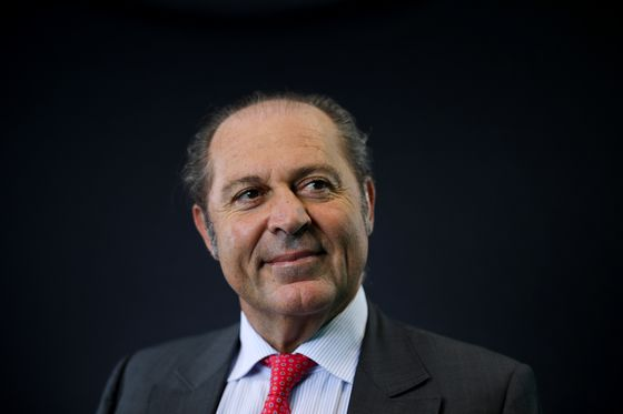 Generali CEO Planning to Shake Up Top Management in Revamp