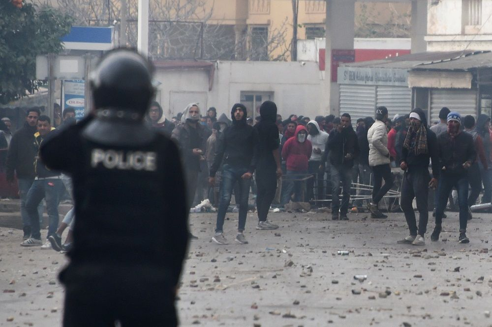 Tunisians Urged to 'Reclaim' Their Revolution as Protests Rage ...