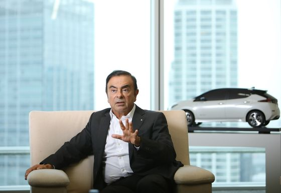 As French-Japanese Car Alliance Nears a Crossroads, Carlos Ghosn Vows to Stay