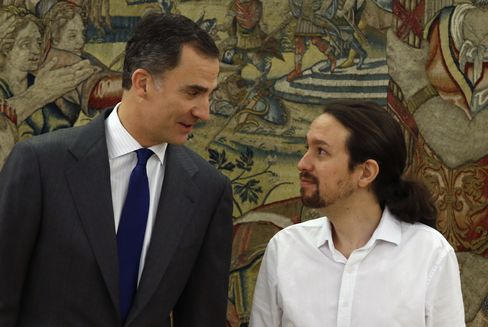 King Felipe VI, left, meets Pablo Iglesias.