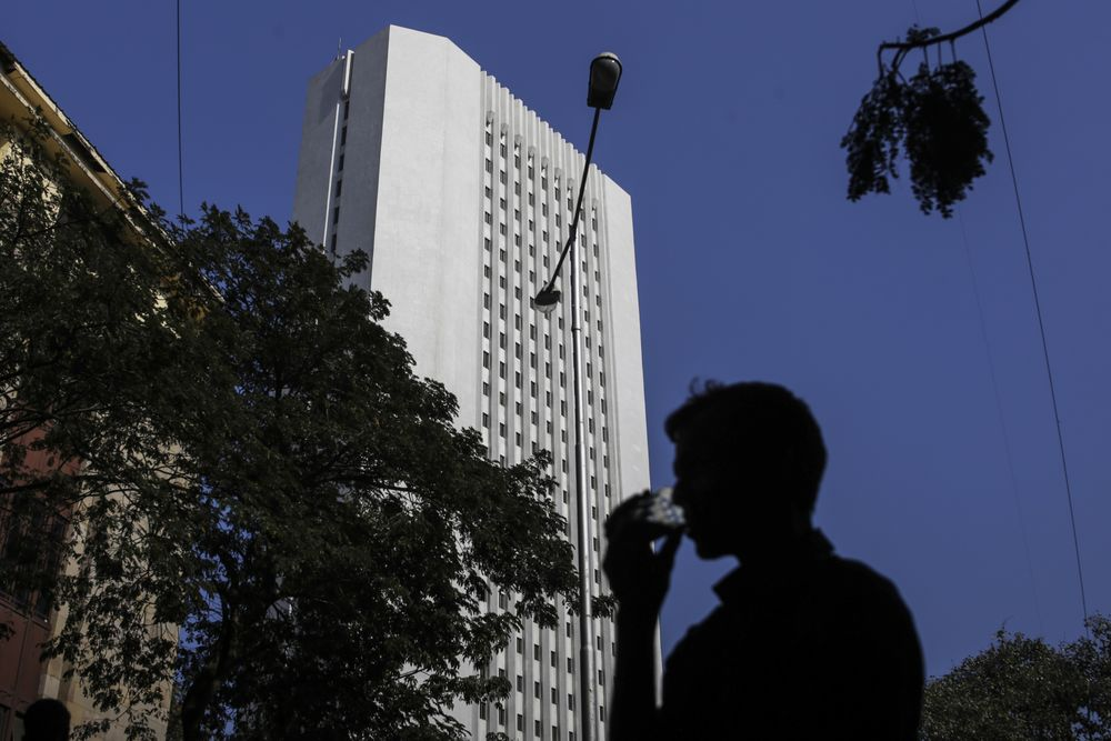 India Postpones Accounting Rules, Sparing Banks Bad-Loan Piles