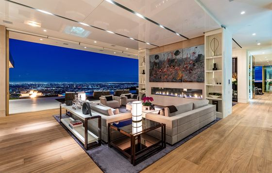 L.A. Mansion Sale at $52 Million Discount Exposes Luxury Reality