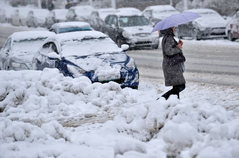 Eastern Europe's Cold Snap Causes Power Cuts, Kills at Least 15