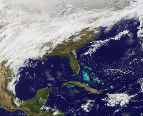 Late Winter Storm Moves Accross U.S.