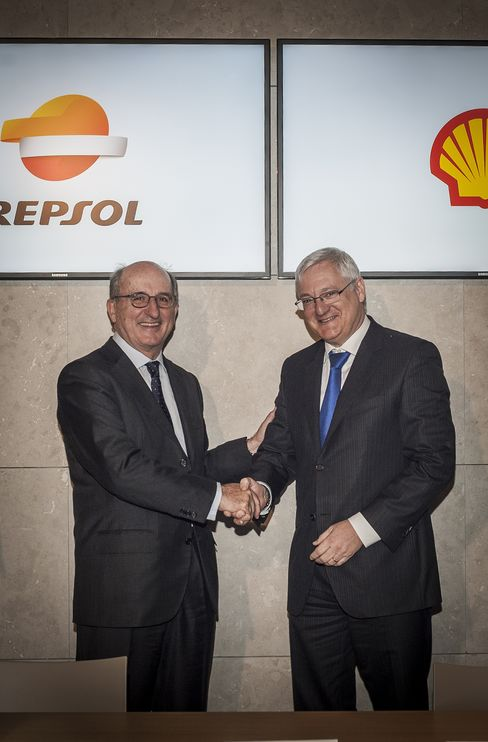 Repsol Chair Antonio Brufau & Royal Dutch Shell CEO Peter Voser
