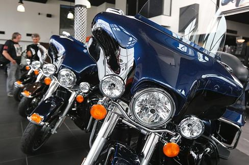 Revved Up Harleys Drown Out Polaris's Revived Indians