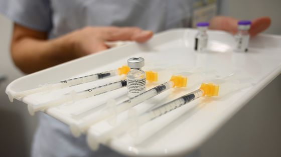 Top Health Officials Tout Vaccines After Heart Risk Reports