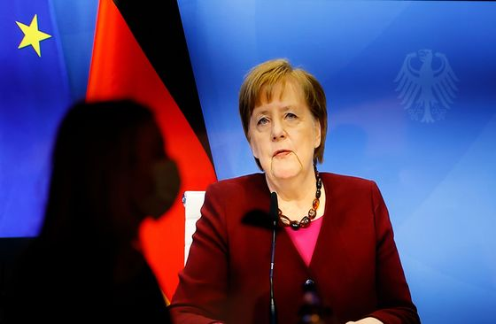 Merkel Succession Gets Serious With Vote for Party Leader