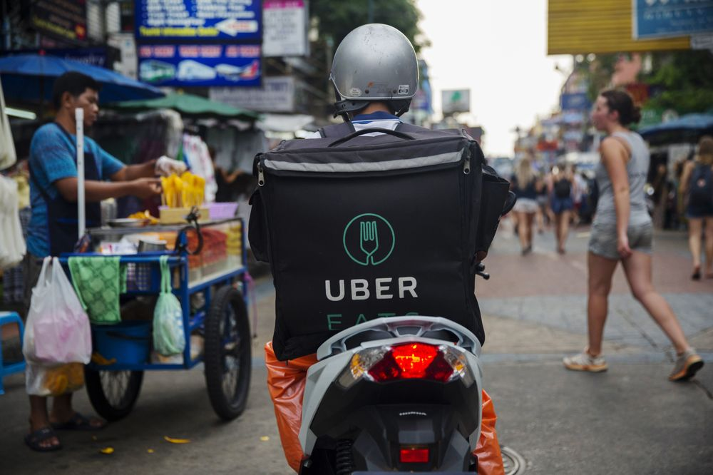 GrubHub Shares Slip as Uber Eats Presents a Major Challenge