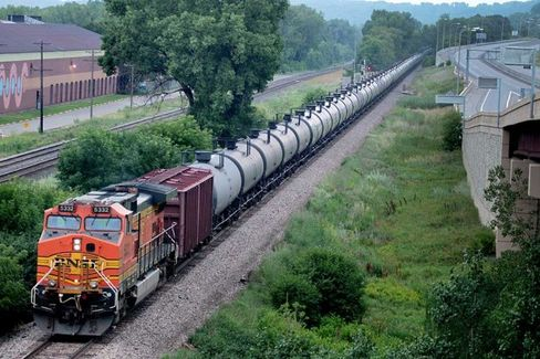 Public Data Reveal Secret Rail Movements of Crude Oil