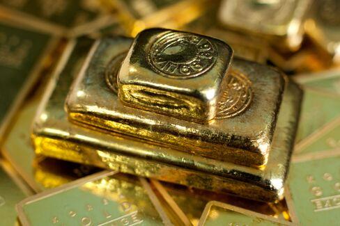 Stocks, Euro Drop; Gold at Six-Week High
