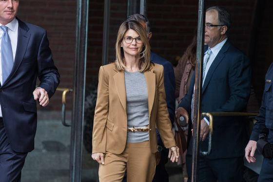 Lori Loughlin Says College Scammer's Notes Show She's Innocent
