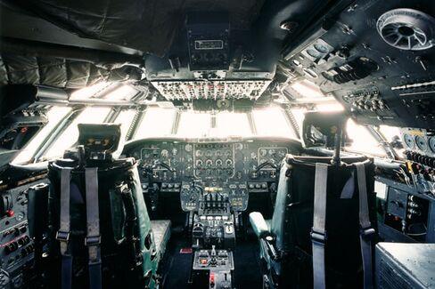 Asiana Crash Probe: Is Autopilot Making Flying Less Safe?