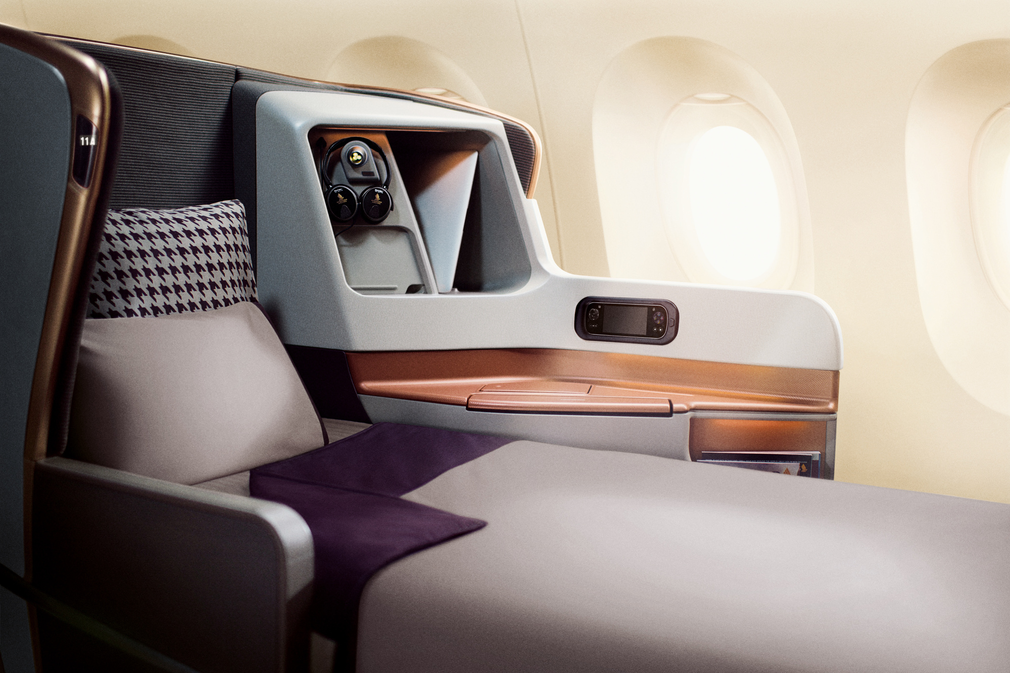 Business Class Bed. Image: Singapore Airlines
