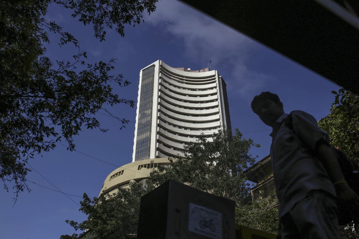 Sensex Index Swings as India Investors Mull Outlook for Stocks