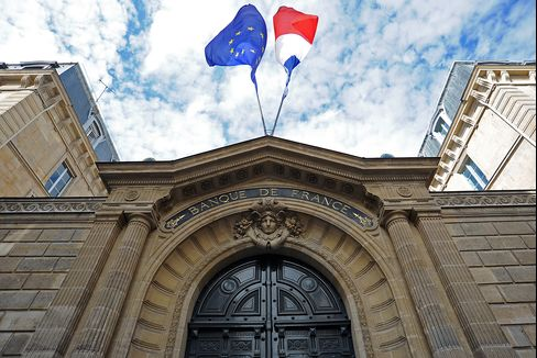 France Risks Renewed German Clash With Push for ECB Backstop