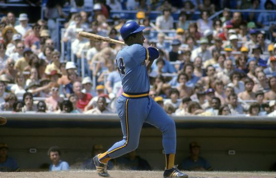 Hank Aaron, MLB Homer King From Ruth to Bonds, Dies at 86