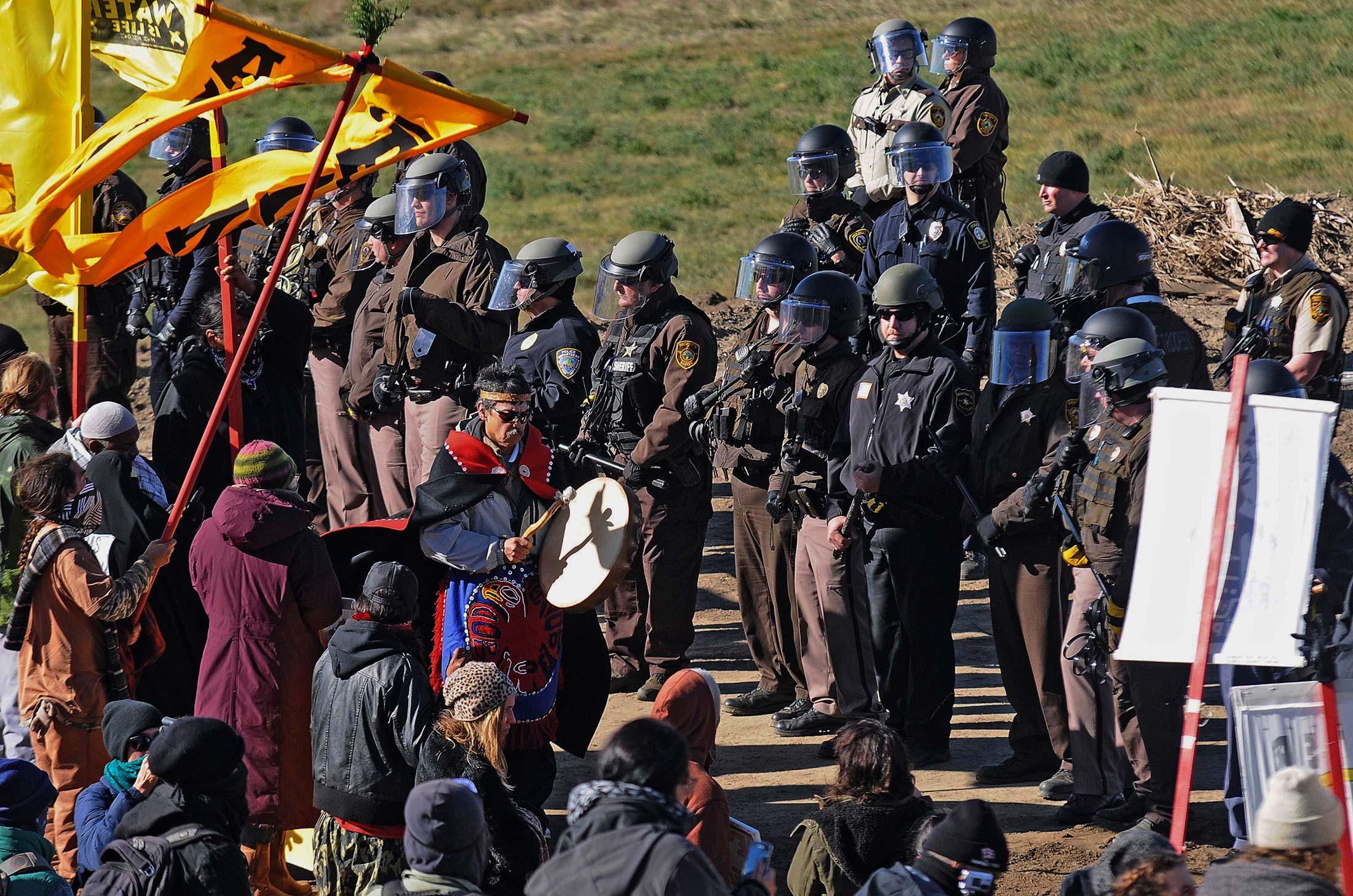 Energy Transfer Advances on Dakota Pipeline, Protests Grow - Bloomberg