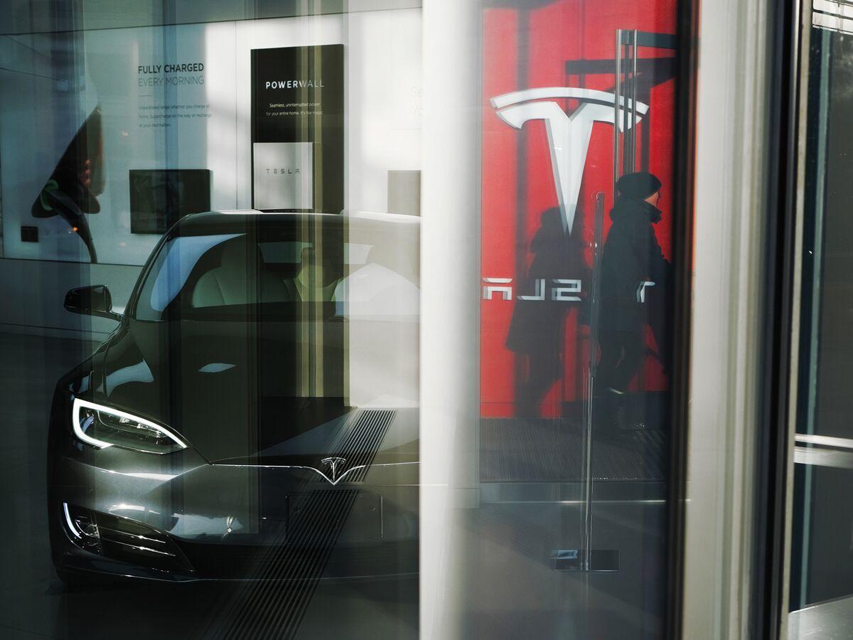 テスラ株がまた最高値更新、勢い止まらず-投資家が電気自動車に期待